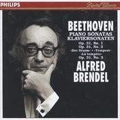 Beethoven: Piano Sonatas Nos.16-18 Songs