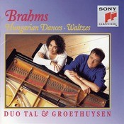 Brahms:  Hungarian Dances No. 1-21; Waltzes, Op. 39 For Piano For Four Hands Songs