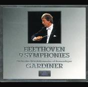 Beethoven: 9 Symphonies (5 CDs) Songs