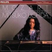 Mozart: Piano Sonatas Nos. 7, 8 & 9 Songs